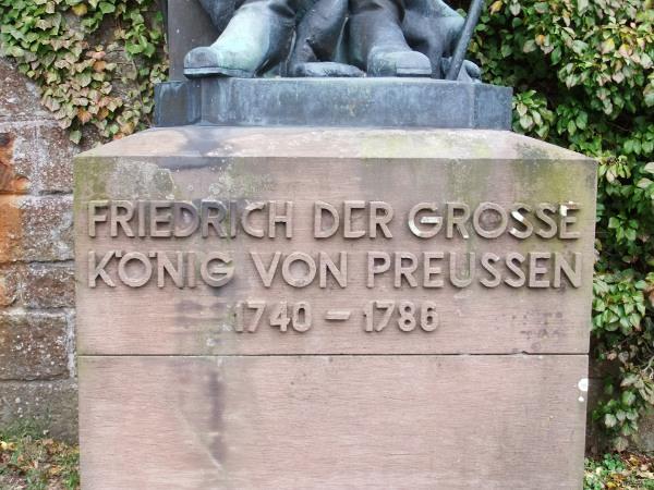 Friedrich der Große - Sockel
